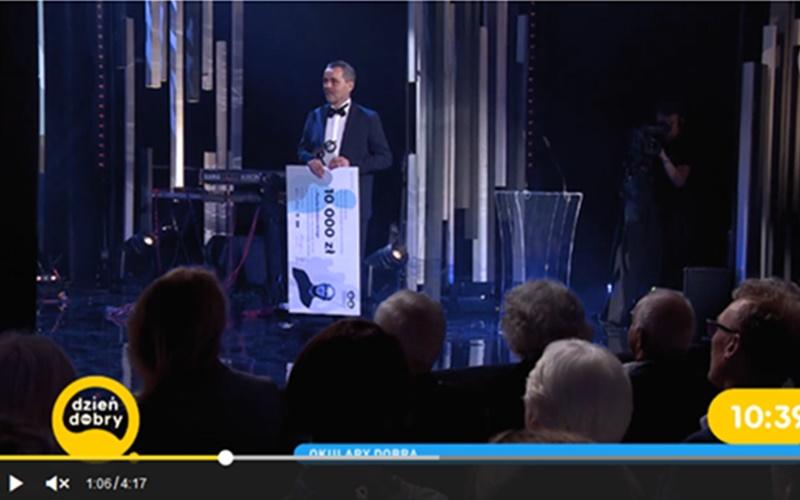 """Relacja zgali wręczenia """"Okularów ks.Kaczkowskiego"""" naantenie TVN"""